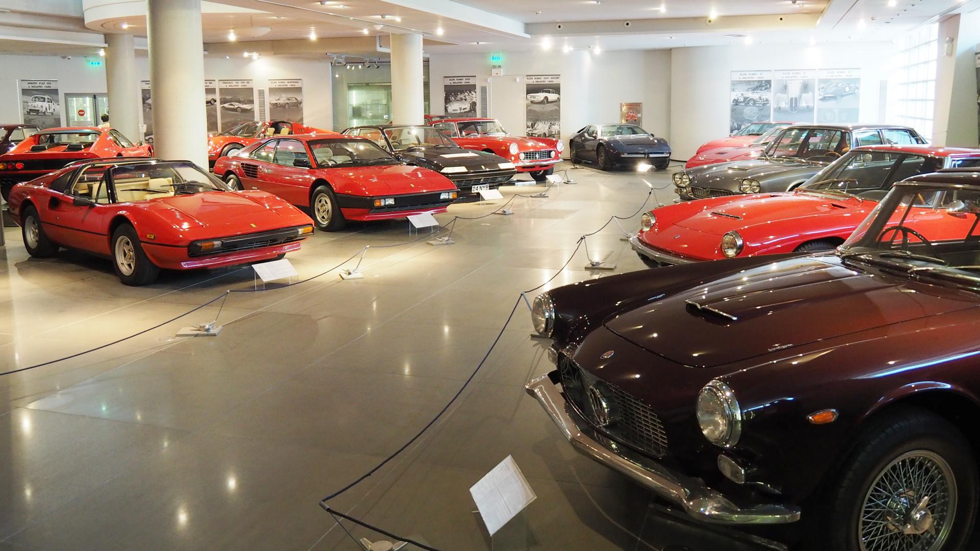 アテネのHellenic Motor Museumでクラシックカーを鑑賞